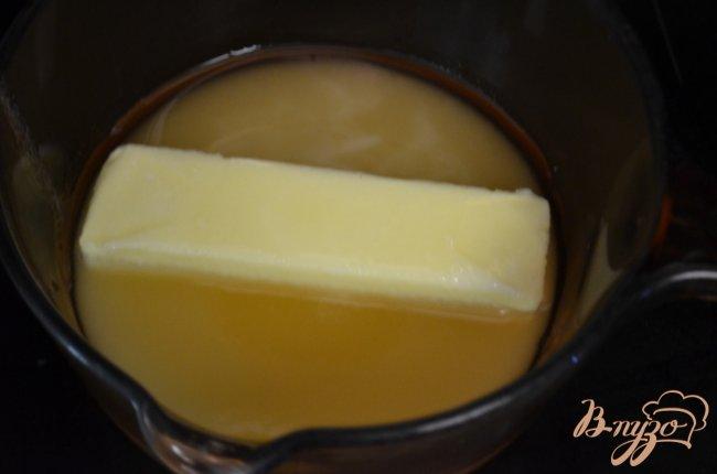 Фото приготовление рецепта: Кекс с медовой- апельсиновой глазурью шаг №5