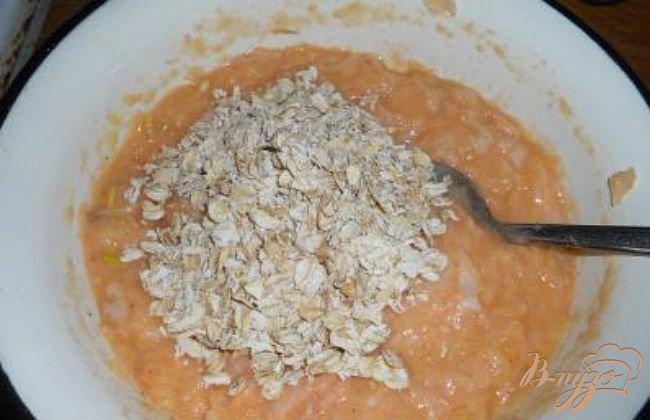 Фото приготовление рецепта: Ароматные котлеты из семги шаг №2