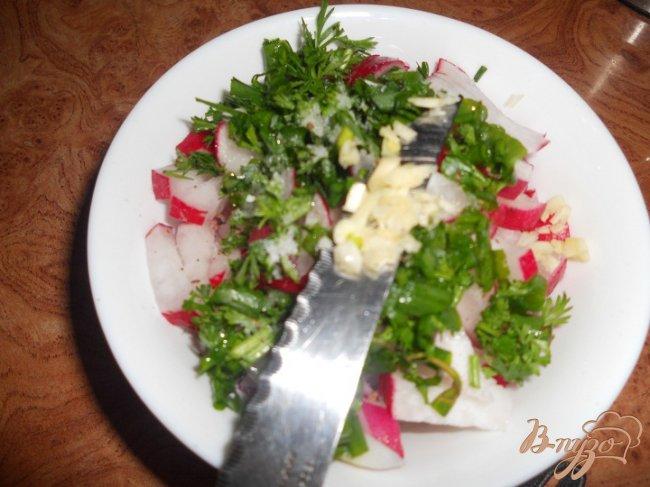 Фото приготовление рецепта: Салат редисовый шаг №3