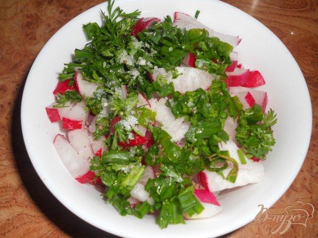 Фото приготовление рецепта: Салат редисовый шаг №2