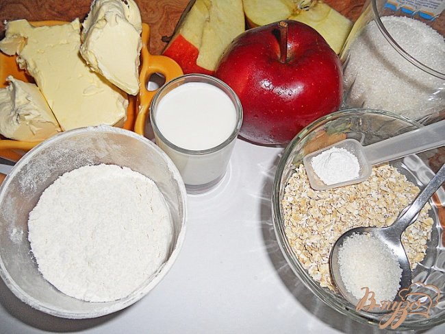 Фото приготовление рецепта: Яблочный кекс с корочкой шаг №1