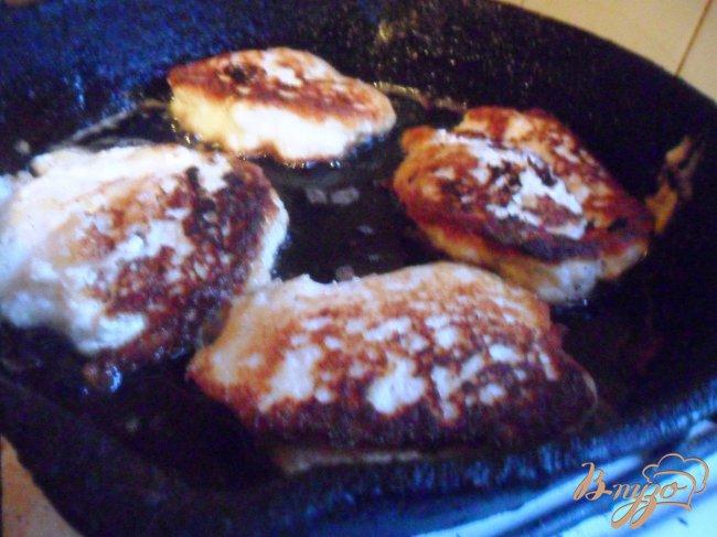 Фото приготовление рецепта: Рыбные котлеты с творогом шаг №3