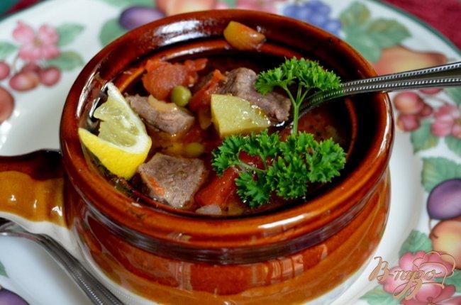Фото приготовление рецепта: Говядина тушеная в горшочках шаг №4
