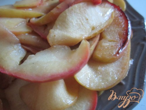 Булочки с яблоками и корицей