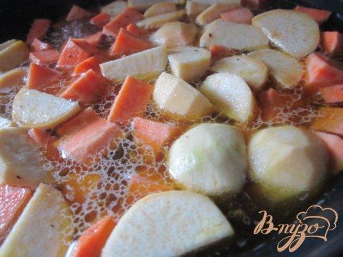 Рагу из свинины и сладкого картофеля.