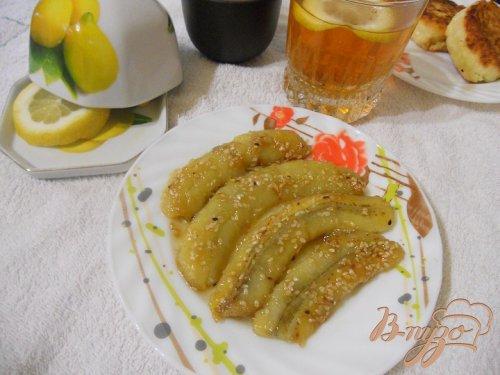 Сырники с жареными бананами в кунжуте
