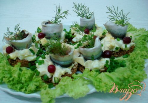 Салат  с килькой