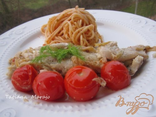 Филе скумбрии с фенхелем и томатами.