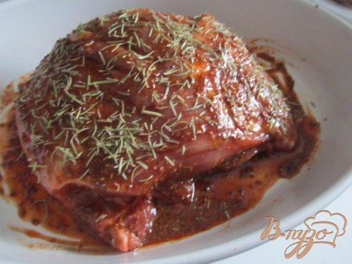 Свинина в горчично-медовой глазури с розмарином