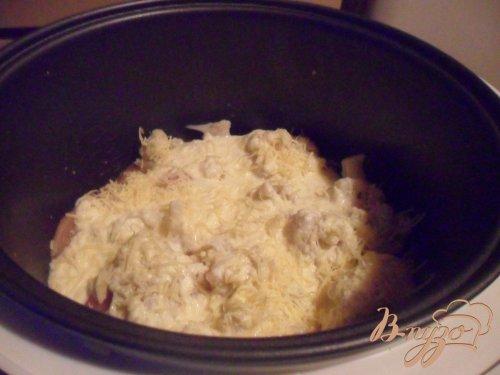 Куриное филе с цветной капустой под сливочным соусом в мультиварке