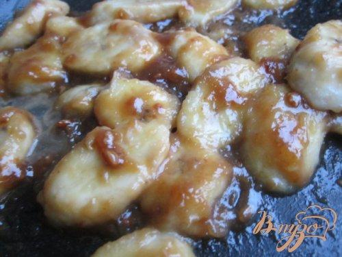 Десерт с бананами в молочной карамели