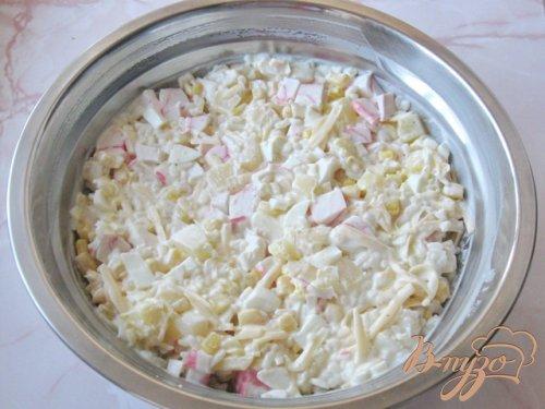 Салат из крабовых палочек и ананасов