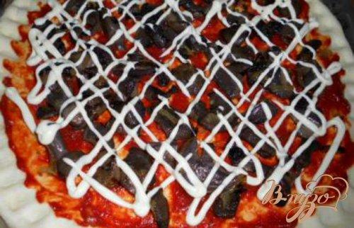 Пицца с лесными грибами и вялеными помидорами