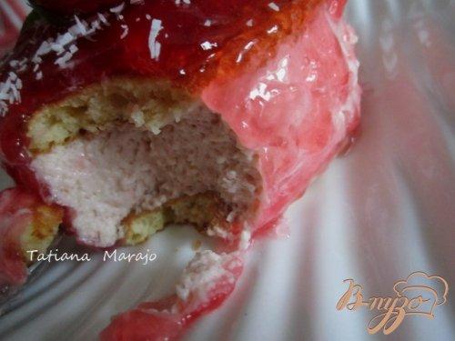 Десерт из клубничного мусса