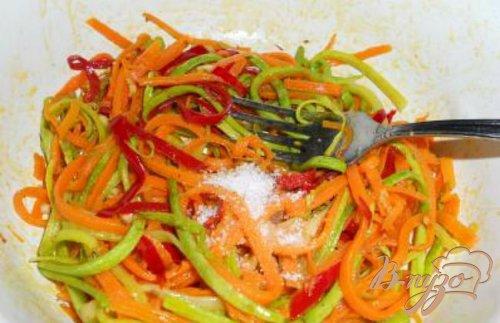 Цветная лапша из овощей по-корейски