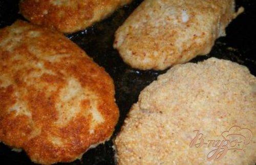 Котлеты куриные с начинкой из сыра и помидора