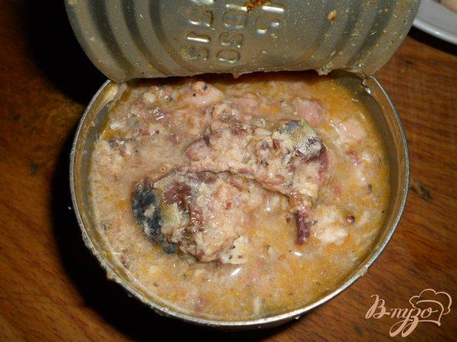 Фото приготовление рецепта: Рыбный суп из консервов шаг №3
