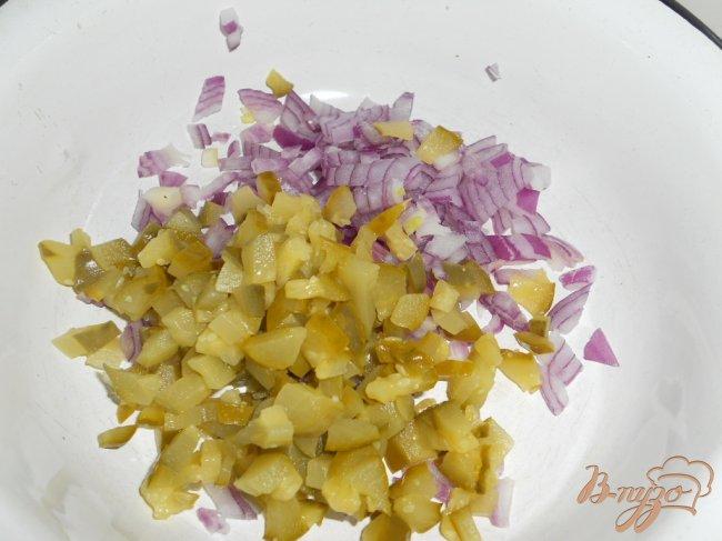 Фото приготовление рецепта: Закуска «Праздничная» из свеклы и сельди шаг №1
