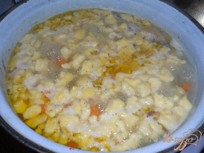 Фото приготовление рецепта: Суп деревенский с курицей шаг №4