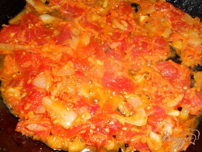 Фото приготовление рецепта: Суп куриный с маринованными помидорами шаг №3