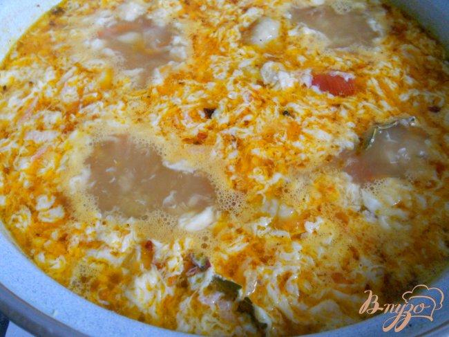Фото приготовление рецепта: Суп куриный с маринованными помидорами шаг №5