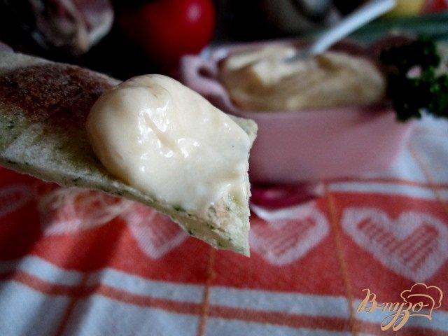 Фото приготовление рецепта: Домашний майонез с хреном шаг №7