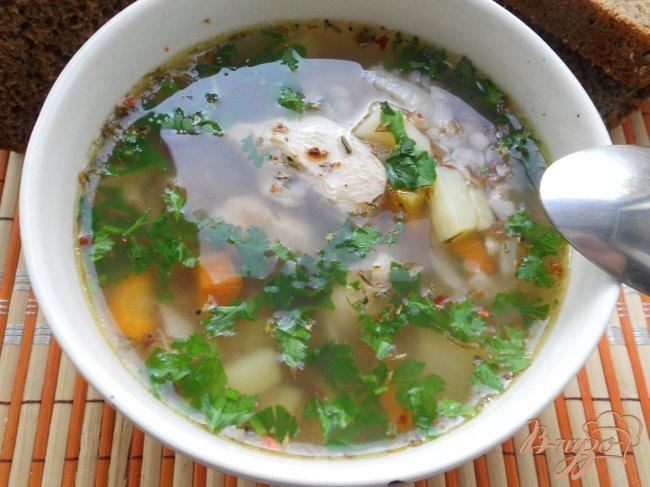 Фото приготовление рецепта: Гречневый суп с куриным филе шаг №4