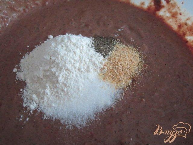 Фото приготовление рецепта: Печеночный паштет с вишневым желе шаг №4