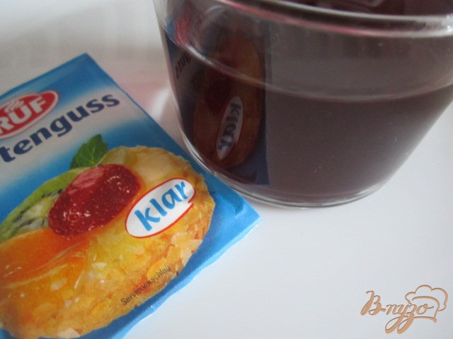 Фото приготовление рецепта: Печеночный паштет с вишневым желе шаг №7