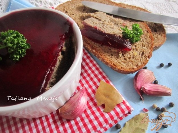 фото рецепта: Печеночный паштет с вишневым желе