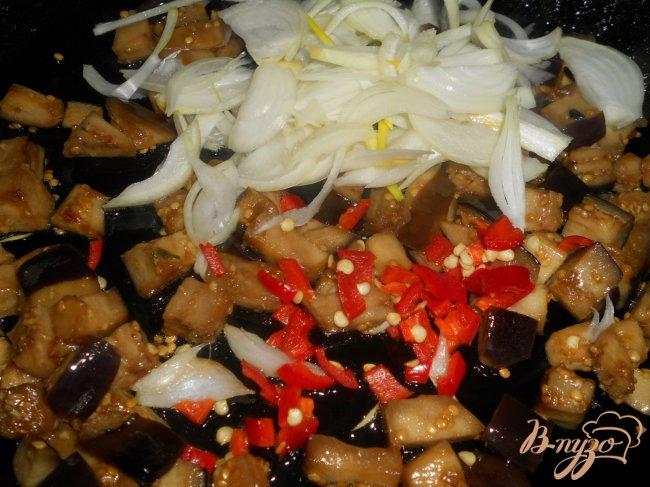Фото приготовление рецепта: Чили с черной фасолью и шоколадом шаг №2