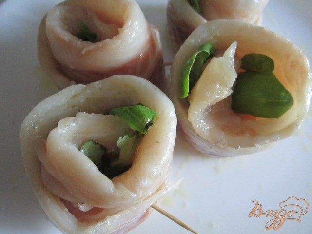 Фото приготовление рецепта: Рыбные улитки со сливочно-апельсиновым соусом шаг №8