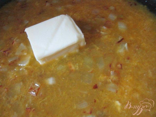 Фото приготовление рецепта: Рыбные улитки со сливочно-апельсиновым соусом шаг №4