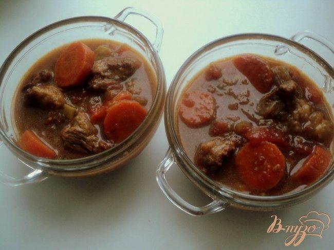 Фото приготовление рецепта: Мясо в темном пиве или Cosser Pie шаг №5