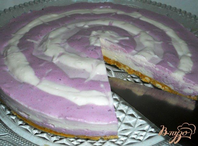 Фото приготовление рецепта: Творожно-ягодный тортик (без выпечки) шаг №6