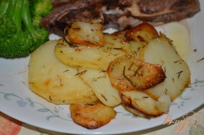 Фото приготовление рецепта: Картофель в сливочном масле шаг №6