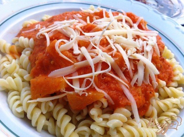 Фото приготовление рецепта: Макароны с соусом из паприки шаг №9