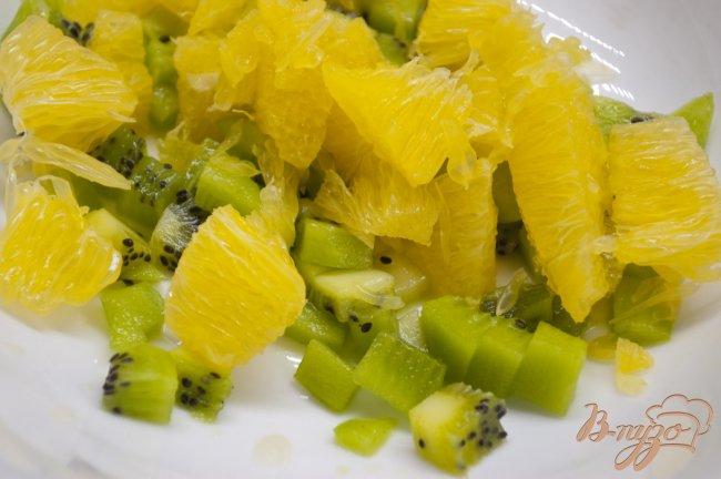 Фото приготовление рецепта: Салат из фруктов шаг №2