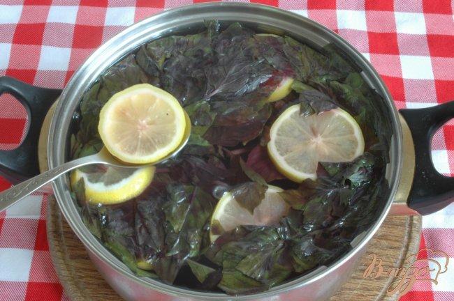 Фото приготовление рецепта: Напиток из базилика шаг №4