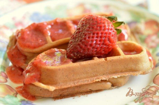 Рецепт Клубничные вафли на завтрак
