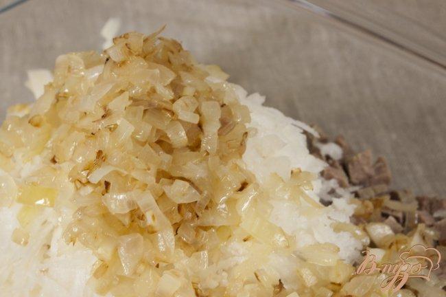 Фото приготовление рецепта: Салат с мясом и редькой шаг №7