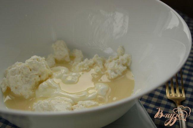 Фото приготовление рецепта: Десерт с ананасом и вишней шаг №2