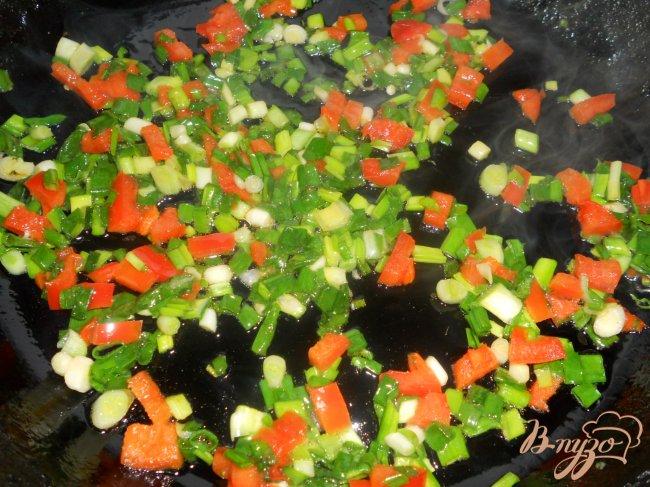 Фото приготовление рецепта: Суп с гречкой и черной фасолью шаг №3