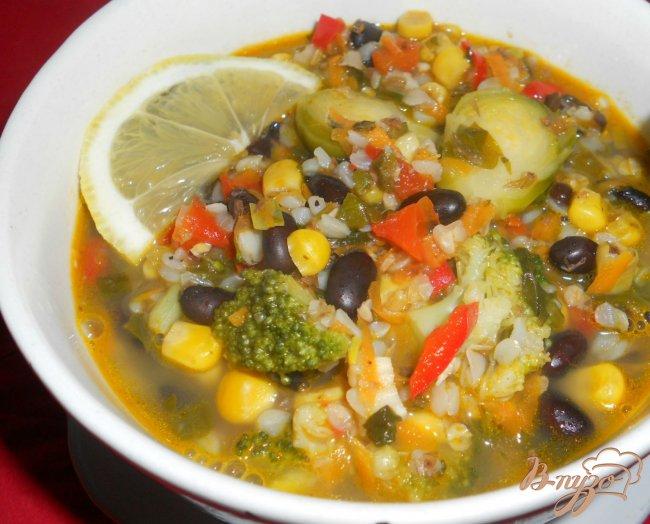 Фото приготовление рецепта: Суп с гречкой и черной фасолью шаг №6
