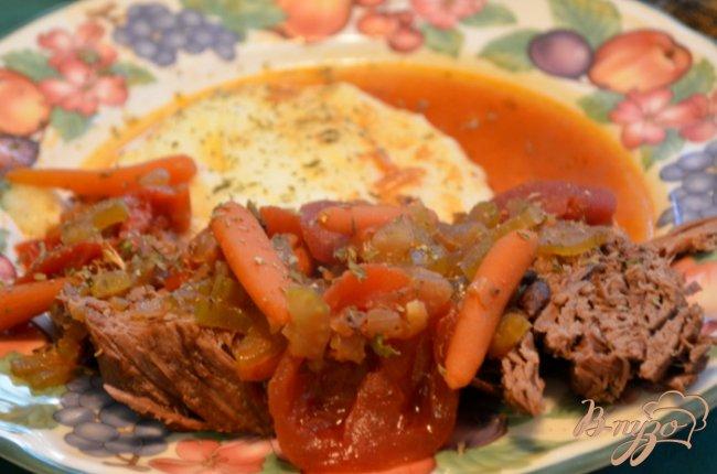 Фото приготовление рецепта: Тушеная говядина по-итальянски шаг №4