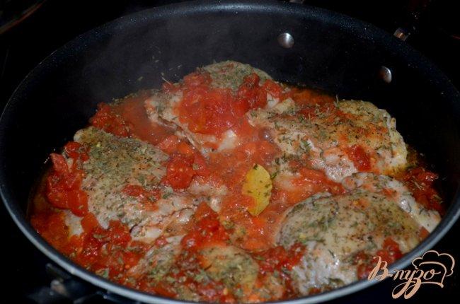Фото приготовление рецепта: Куриное фрикасе на винном уксусе шаг №4