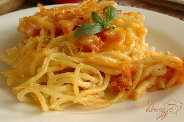 фото рецепта: Спагетти, запеченные с ветчиной и томатом