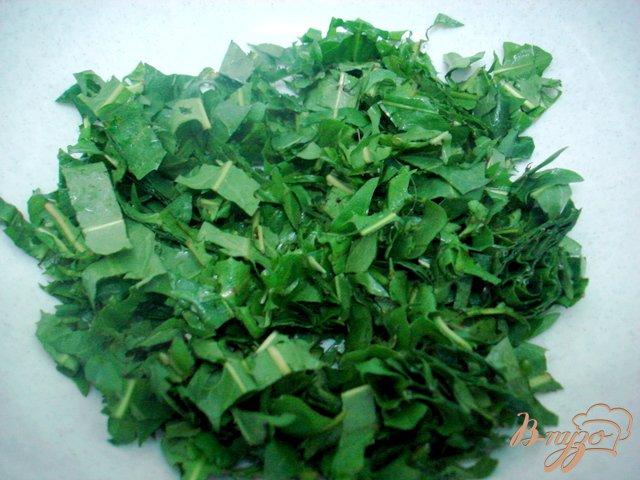 Фото приготовление рецепта: Салат из одуванчиков шаг №2