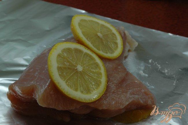 Фото приготовление рецепта: Сэндвич с запеченой индейкой шаг №1