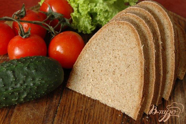 Фото приготовление рецепта: Сэндвич с запеченой индейкой шаг №3
